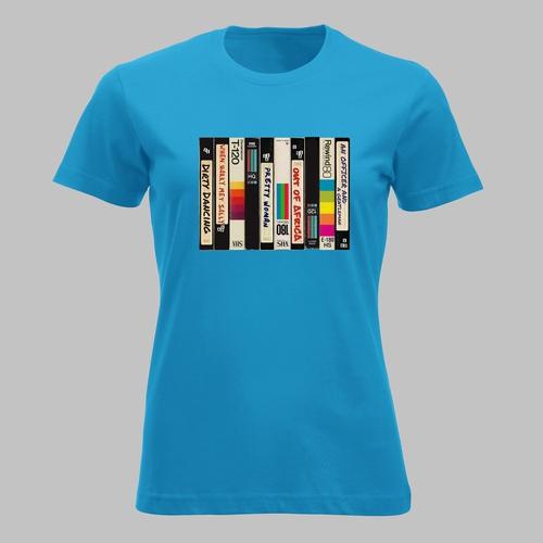 VHS-videobanden met romantische films uit de jaren 80 op...